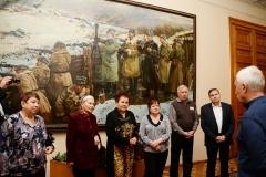 Ветераны перед входом в кабинет Г.К.Жукова. Слева-направо: Борзенко В.А., Харламова В.Ф., Киреева В.А., Васина Н.Е., Краев Н.И., Карпов А.И.