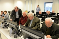 (слева-направо) Бурцев А.С., Роянов Н.И. и Морозов А.В. за изучением содержания представительства организации в Интернет