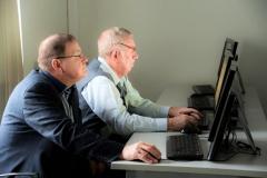 Карпов А.И. и Краев Н.И. оценивают навигацию на нашей странице в Интернет.