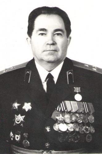 Федосеев Леонтий Васильевич, полковник , личный номер Б-027187, в политотделе 1979-1986 гг, 5 ноября ему исполнилось бы 90 лет.