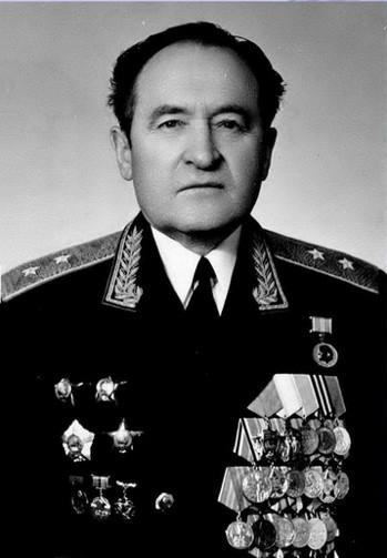 Генерал-полковник Агафонов Алексей Николаевич, личный номер А-219921, начальник политического отдела ГШ ВС СССР 1984-1989 гг. 22 октября ему исполнилось бы 95 лет.