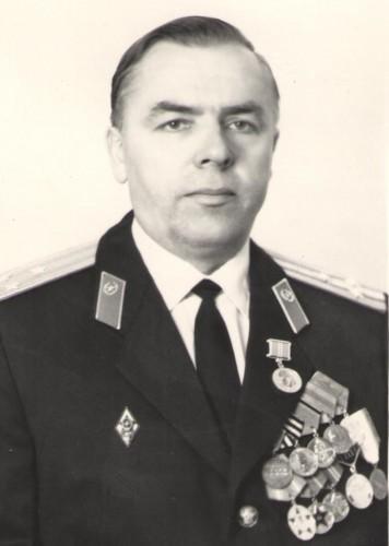 Спиридонов Николай Михайлович, полковник , личный номер Б-002641, в политотделе 1967-1981 гг, 25 октября ему исполнилось бы 95 лет.