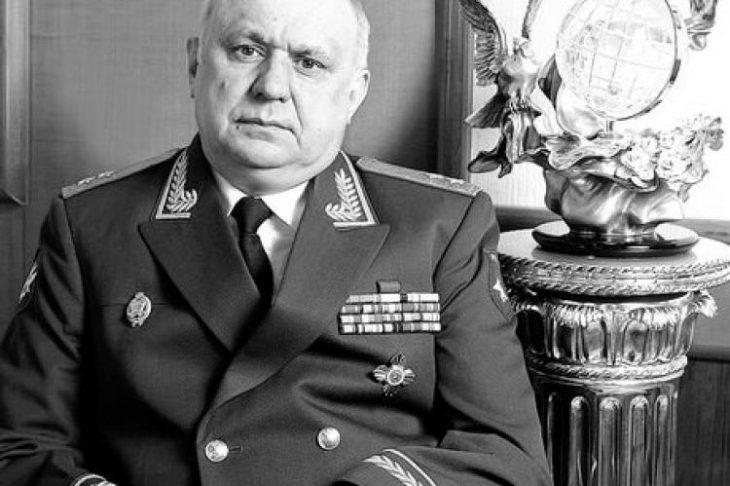 Генерал-лейтенант запаса В.Н. БУСЛОВСКИЙ