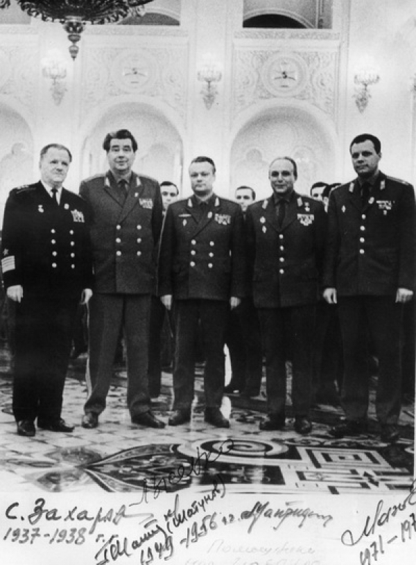 Руководители армейского комсомола разных лет. С.Е. Захаров, Г.П. Шатунов, В.П. Лысенко, А.В. Макридин, Е.Н. Махов.